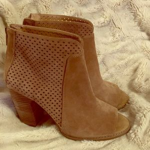 Lucky Brand- Peep toe booties😻😻 Only worn once!